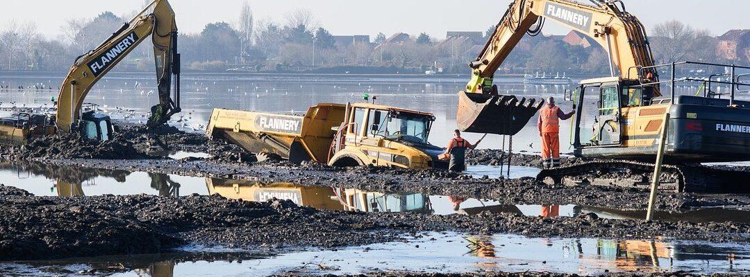 """Co vše se může pokazit po tom, co se """"kopne"""" do země aneb rizika výstavbových projektů"""
